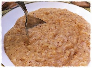 Maple Almond and Fig Oatmeal with Bananas
